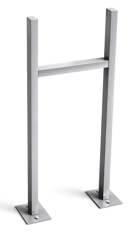 Stebler U-Stützen mit Fussplatten (Montage auf Betonfundament) für 3 Fach, Weissaluminium
