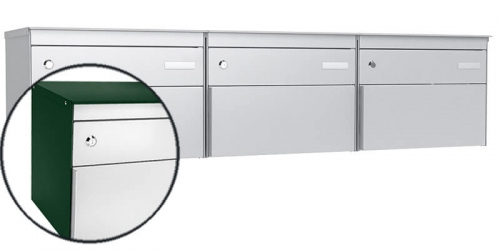 Stebler 3-er Briefkastengruppe s:box 13, Post-Norm, Gehäuse RAL 6005 Moosgrün, Front RAL 9006 Weissaluminium